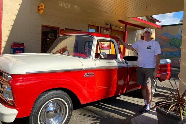 Joe's Dream Cars - notre équipe aux Etats-Unis pour l'exportation de voitures américaines de collection.