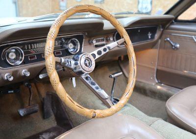 Importation voiture de collection americaine en france - region Centre - Blois - ici un superbe cabriolet Mustang